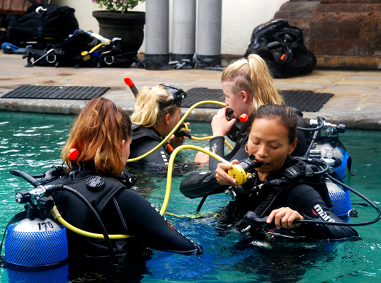 Continuing Dive Education Bali
