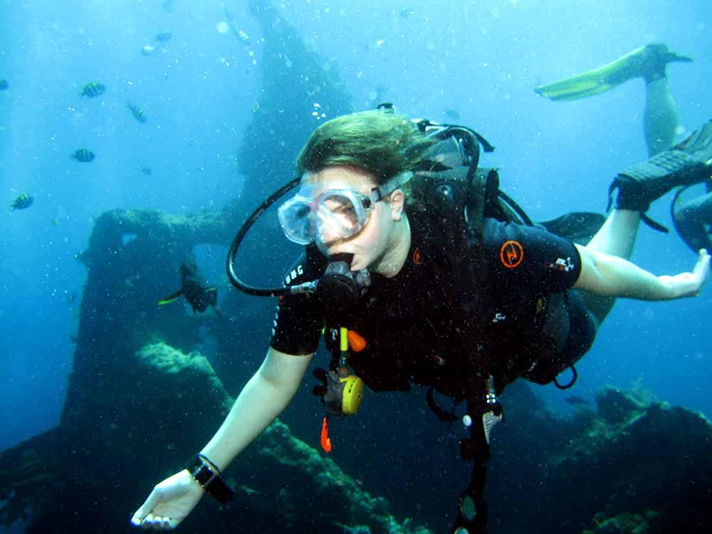 Diver Tulamben - USAT Liberty Wreck