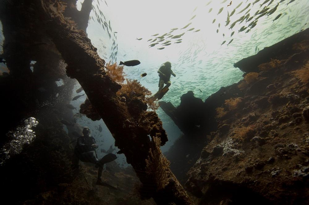 snorkeling Tulamben USAT Liberty Shipwreck