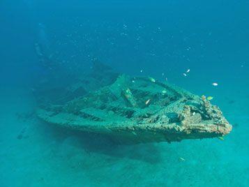 anchor wrecks menjangan