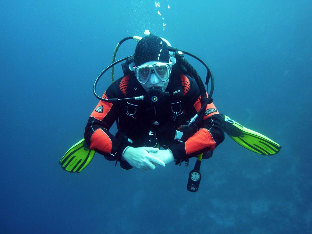 diving with soft lenses