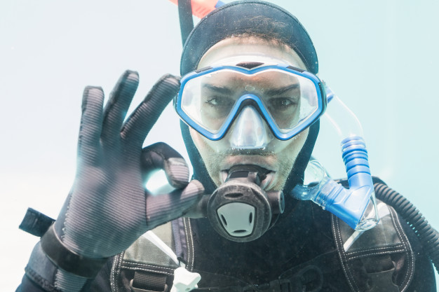 regulator scuba diving